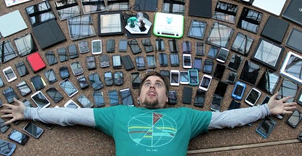 Týpek si nemůže vybrat Odměny za dobití - mobily, tablety